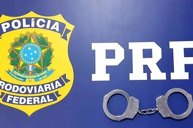 PRF prende mulher por porte de drogas no sertão de Alagoas