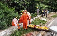 Homem é socorrido após cair em vala na Ladeira Geraldo Melo