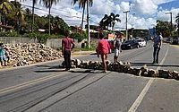 Moradores de Riacho Doce cobram mobilidade urbana em protesto e fecham AL-101