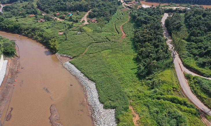 Reflorestamento depende da limpeza da área atingida por rejeitos