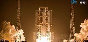 Sonda chinesa está a caminho da Terra depois de concluir missão na Lua
