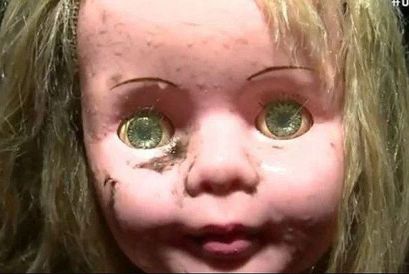 """""""boneca do mal"""""""