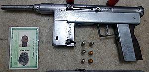 Arma foi encontrada na casa de suspeito