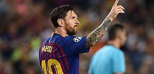 Messi anotou três gols na vitória do Barcelona sobre o PSV