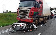 Acidente matou cinco pessoas na BR-116, no Paraná