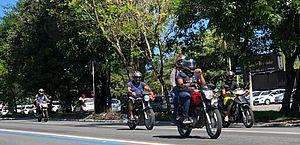 SMTT orienta motociclistas sobre os cuidados para transitar com segurança