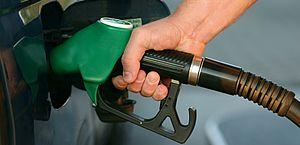 Petrobras comunica aumento de 2,7% no preço da gasolina