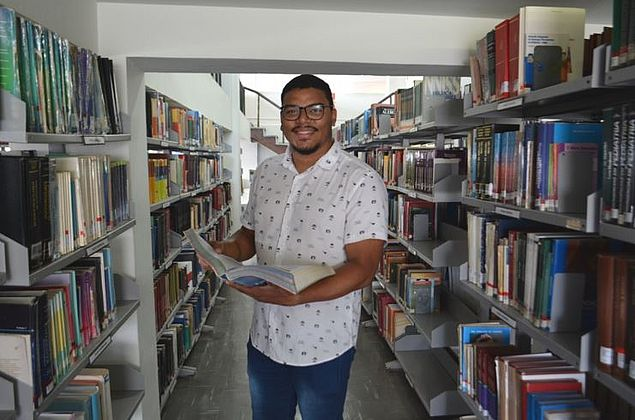 Alagoano é aprovado em 1º lugar em mestrados na USP e na UFSCar
