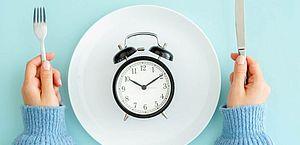 Perda de peso com jejum intermitente é possível, mas prática esconde armadilhas
