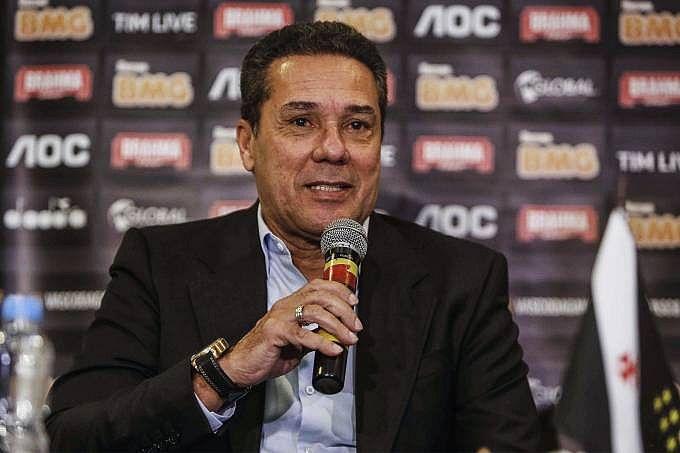 Treinador foi apresentado pelo Vasco na quarta-feira