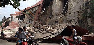 Vídeo: terremoto de grau 6.3 atinge região central das Filipinas