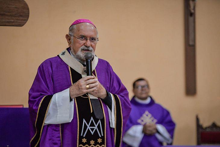 Arcebispo e o clero da Arquidiocese podem definir reabertura de igrejas após reunião