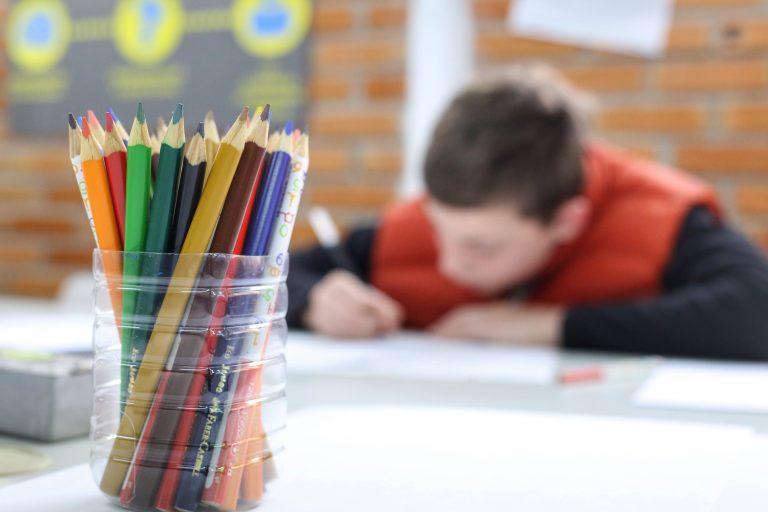 Comissão externa discute volta às aulas presenciais nos estados